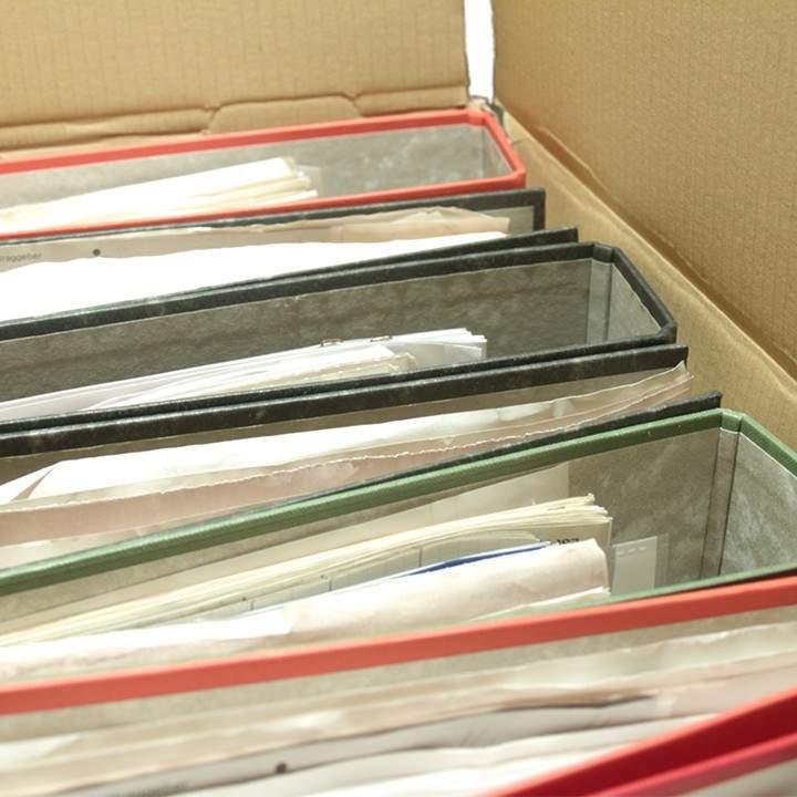 Helvetia Transporte Verpackung Ordner im Karton